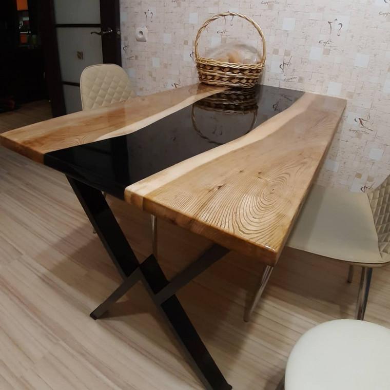 Обеденный стол река Lokiman из слэбов карагача